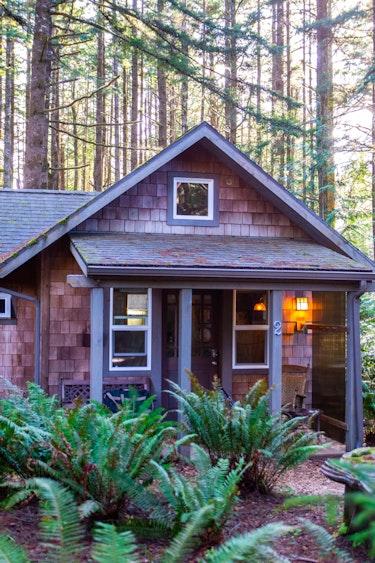 US Accommodation Comfortable Partner DSC 5929 Wildspring Guest Habitat South Oregon Coast