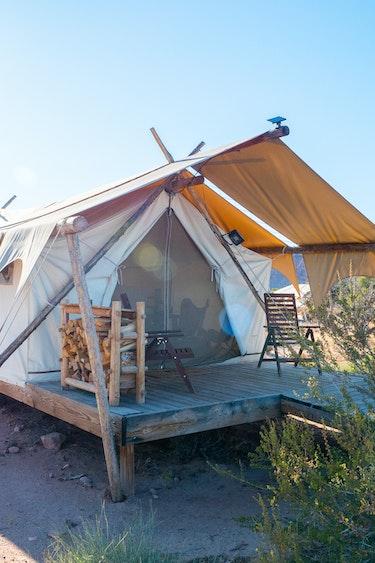 US Accommodation Luxury P1066017 Under Canvas Moab
