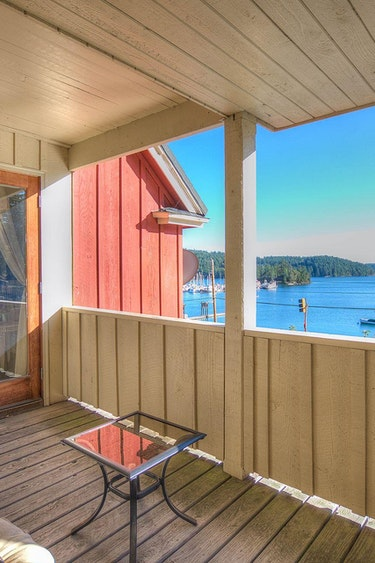 US Accommodation Very Comfortable kingfish inn at west sound suite 1 alder views of west sound from private covered deck