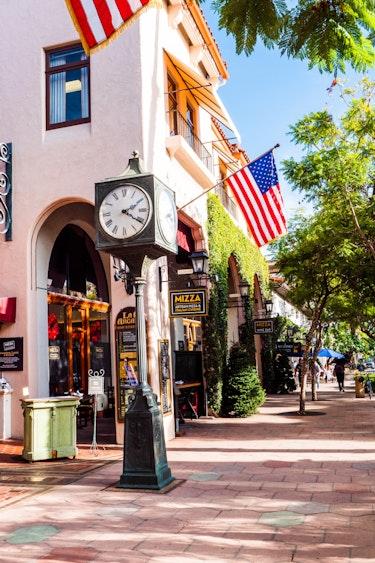 US CONTACT P1088428 Santa Barbara Scenery