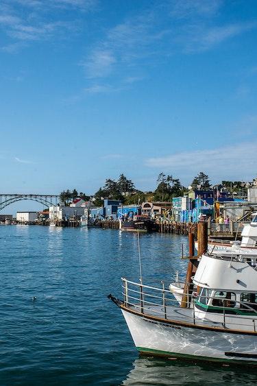 La places newport south oregon coast