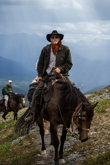 ca_horseriding_mountains_activity