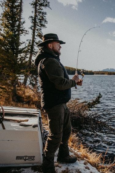 ca_fishing_river_activity_cowboy