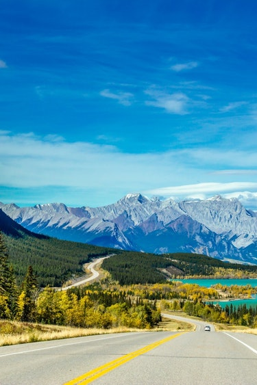 ca_david thompson highway_rocky mountains_view of abraham lake and allstone peak_road