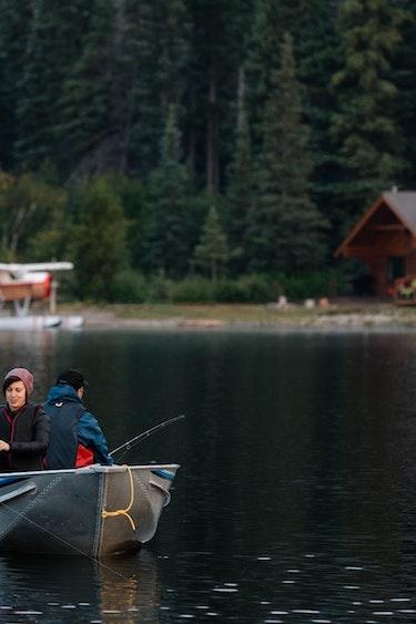 ca_couples_great bear rainforest_boat_fishing