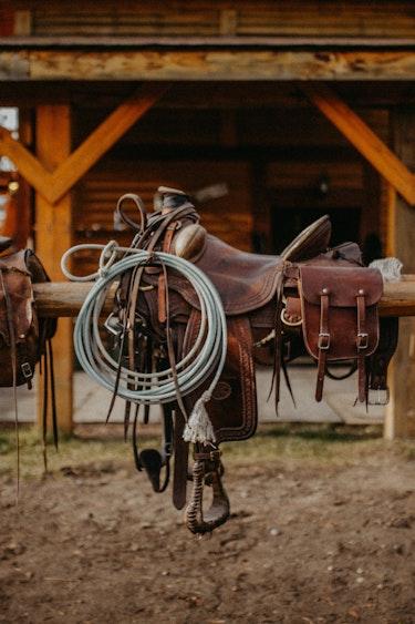 ca_couples_horseriding_big creek lodge