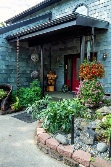 ca_couples_bed and breakfast_house of jade