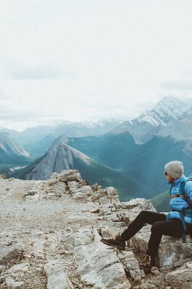 Can hiking viewpoint chris henry 18j Q Hcbqu QU unsplash