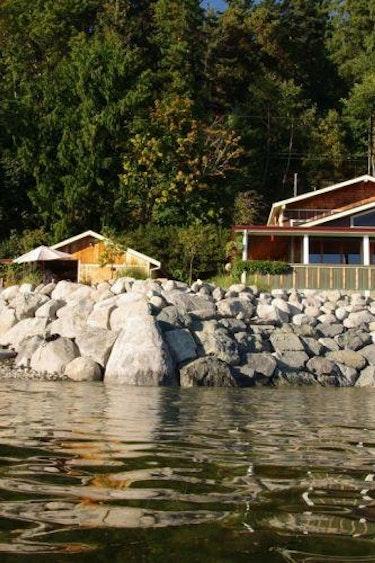 5602 Blitz Beach House Seaside Suite 1614344345 bbh breakwall stairs at high tide orig