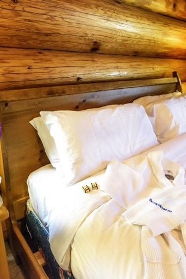 ca_the log house inn
