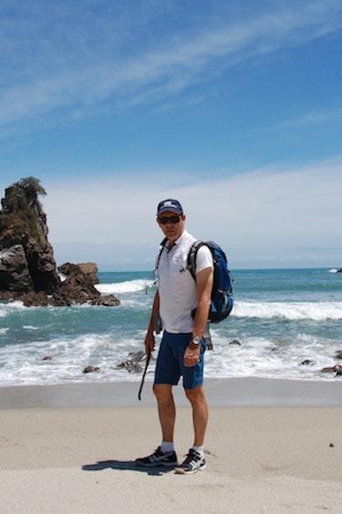 2 Travel Essence Reiservaring Paulien Norbert Nieuw Zeeland Norbert op het strand
