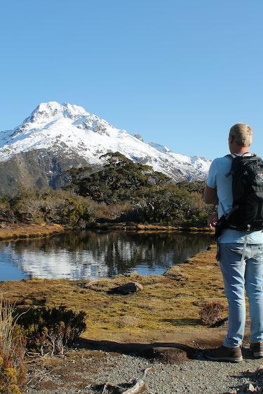 Maurits nz lake mountain