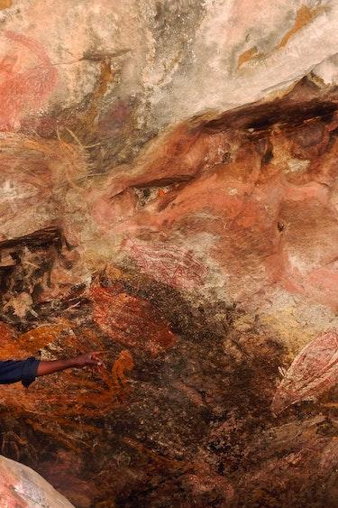 Au general activities aboriginal with rock art culture history
