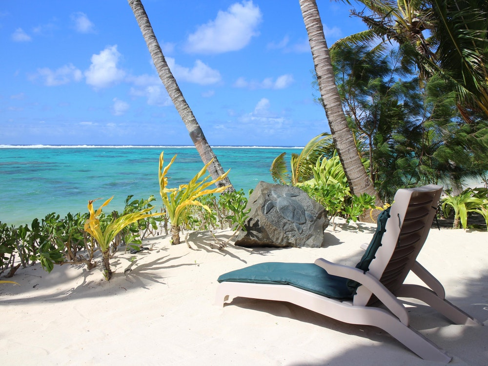 Relaxing on Cook Islands | Australia holiday
