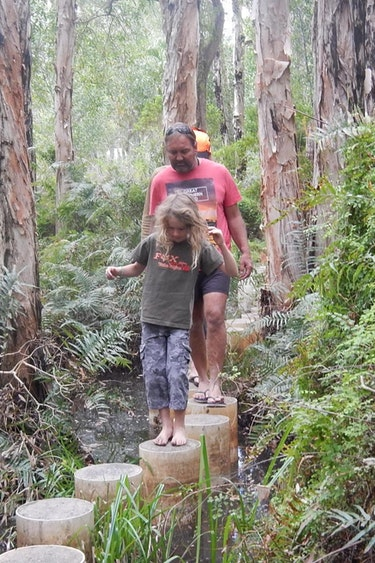 Aus 1770 local nature tour family see and do easy going