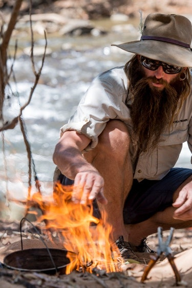 aus outback camp fire