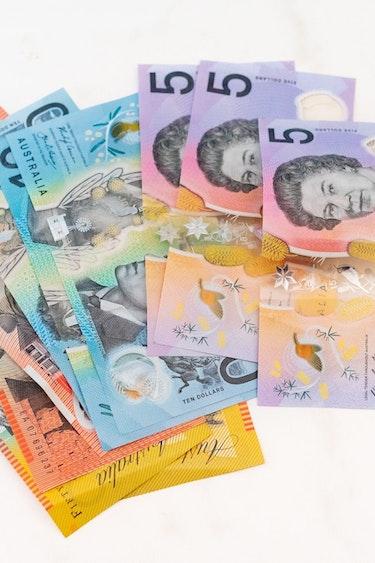 Aus money cash