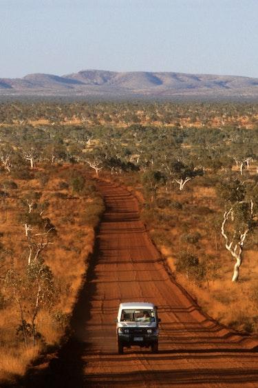 Aus outback safari car nature partner see and do adventurous