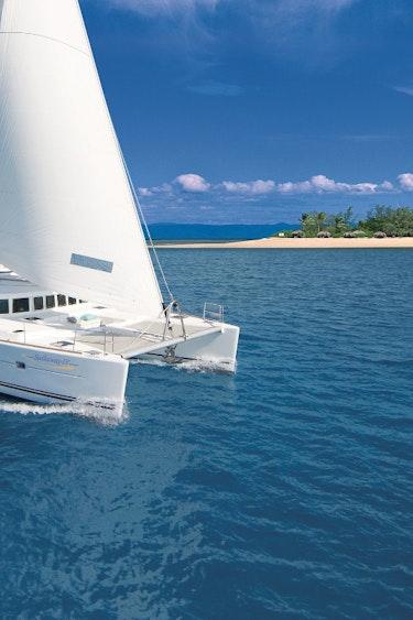 Auz sailaway port douglas low isles sunset tour 1 partner easy going