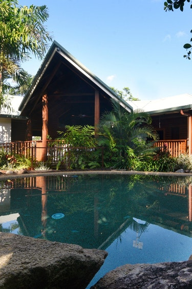 Au comfortable accommodation sealords mission beach bed and breakfast 3