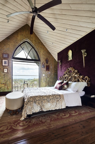 Au gippsland boutique retreat bedroom view solo stays very comfortable