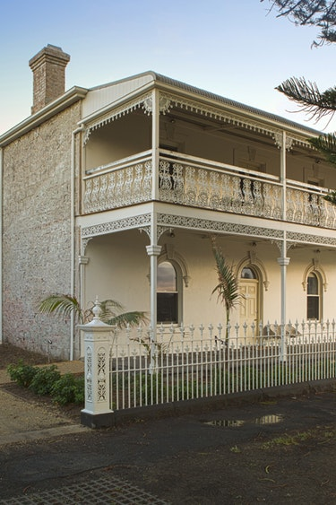 Au port fairy historic house outside view solo stays very comfortable