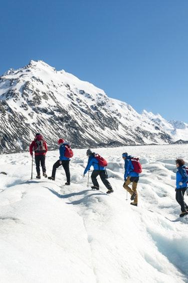 Nz mt cook glacier guiding