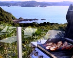 Barbecue dinner with local hosts | New Zealand holiday
