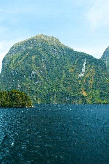 Nz doubtful sound 670 discoverpage detail national parks