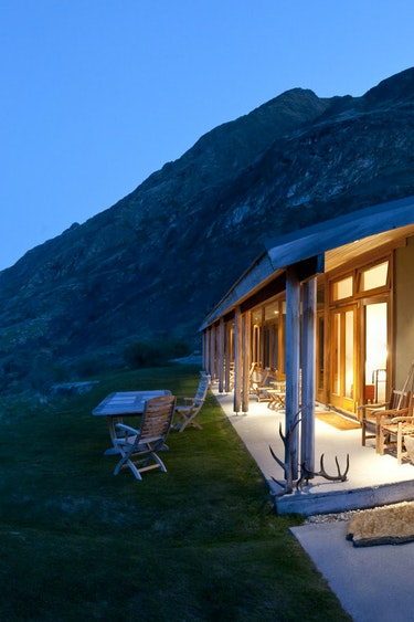 Nz silverpine lodge lake hawea discoverpage detailed small scale stays
