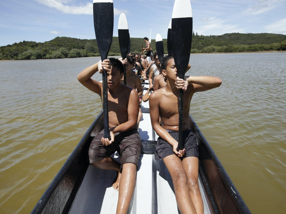 Traditional Maori canoe | New Zealand holiday