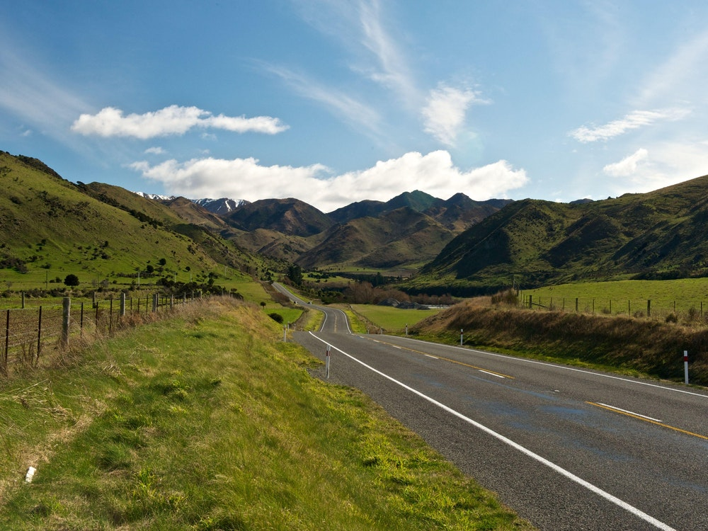 Scenic drive over the Lewis Pass | New Zealand holiday