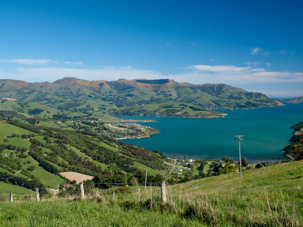 Picturesque views on Banks Peninsula | New Zealand holiday