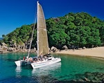 Sailing in Abel Tasman National Park | New Zealand active holiday