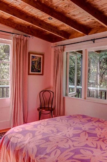 Nz coromandel villa nature bedroom family stays comfortable