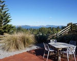 Enjoy your meals at this peaceful terrace | New Zealand holiday