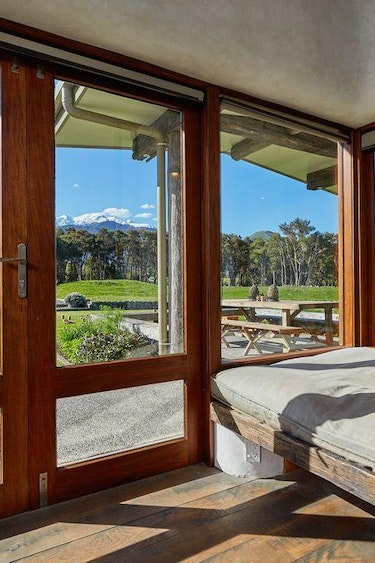 Nz kaikoura eco house bedroom view family stays very comfortable