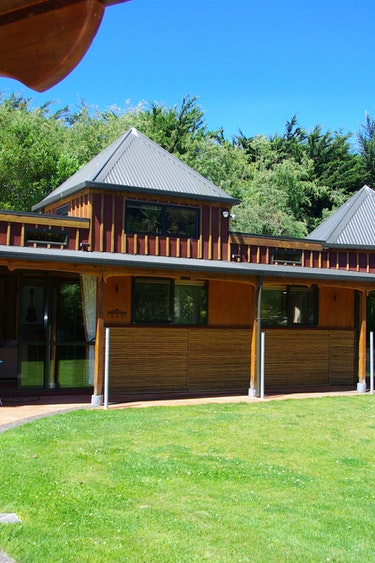 Nz kaikoura surfwatch getaway cottages bamboo hideaway family very comfortable