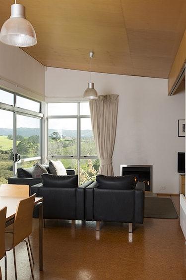Nz matakana bach kitchen view family stays comfortable