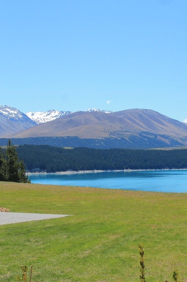 Nz mt cook villa mountain view family stays luxury