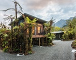 Very comfortable stay in the rainforest | New Zealand holiday