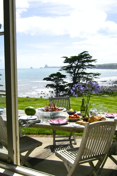Nz taranaki ahu ahu beach villas terrace with view family very comfortable