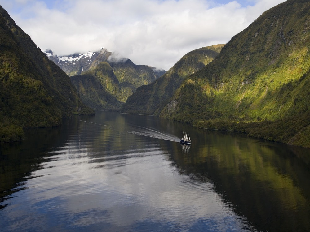Explore the beauty of Doubtful Sound | New Zealand holiday
