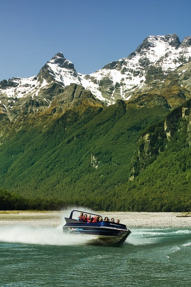 Nz glenorchy jet boat national park view family see and do active