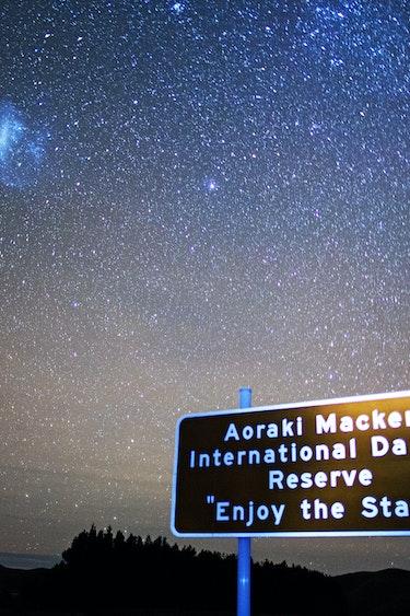 Nz lake tekapo dark sky stars sign family see and do easy going