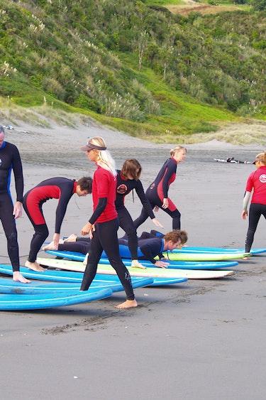 Nz raglan surf school 1 family active