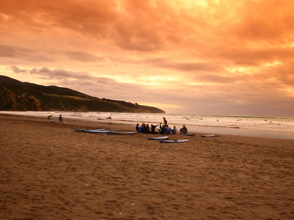Go surfing in Raglan | New Zealand active holiday