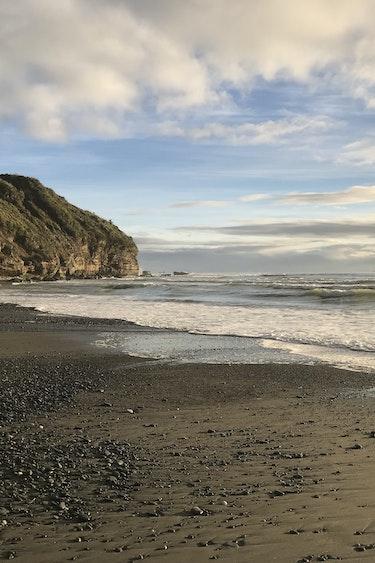 Nz west coast beach friends best travel time