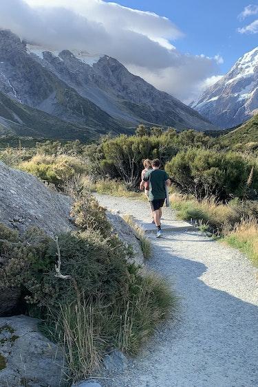 Nz hiking mount cook national park friends length header