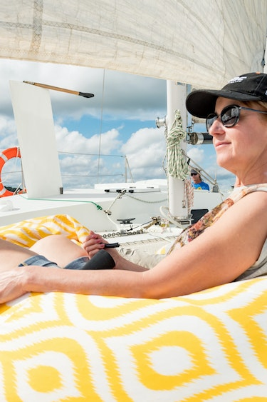 Nz bay of islands sailing catamaran chill friends see and do easy going